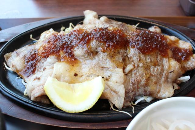 近江牛レモン焼肉定食アップ