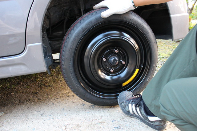 タイヤはめる
