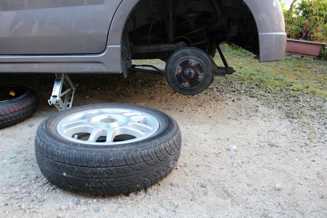 タイヤ外し完了