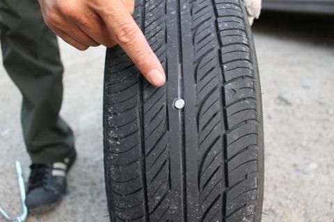 タイヤの釘