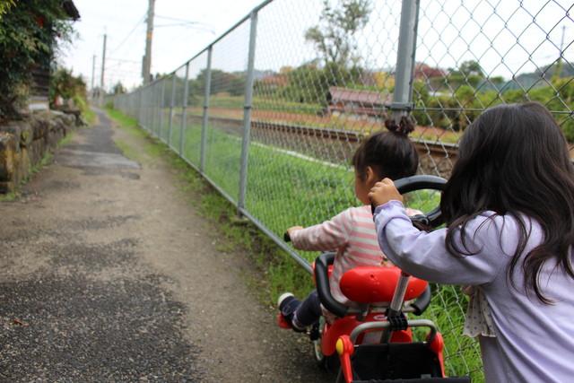 姉妹で散歩