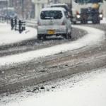 凍結道路での運転